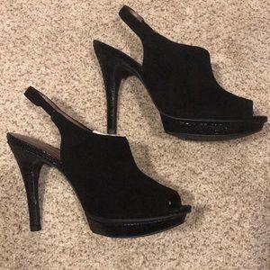 NWOB Black suede heels